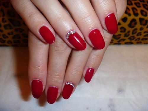 Как сделать красный маникюр гель-лаком на ногти