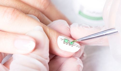 Дизайн ногтей жидкие камни гель-лаком