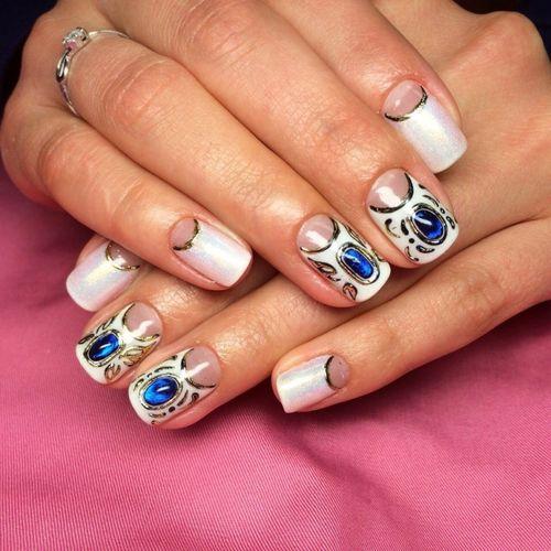 Повседневный дизайн ногтей жидкие камни
