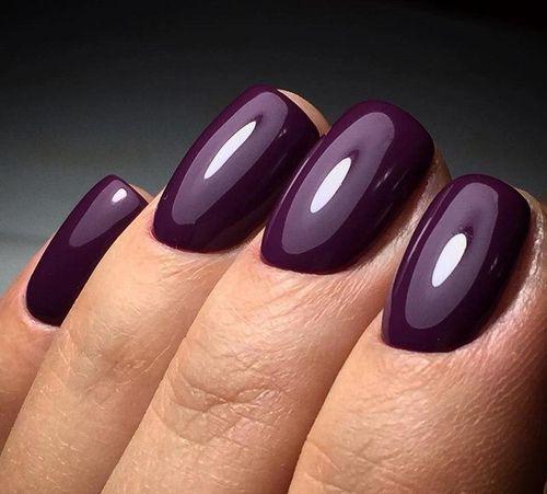 Сливовые ногти